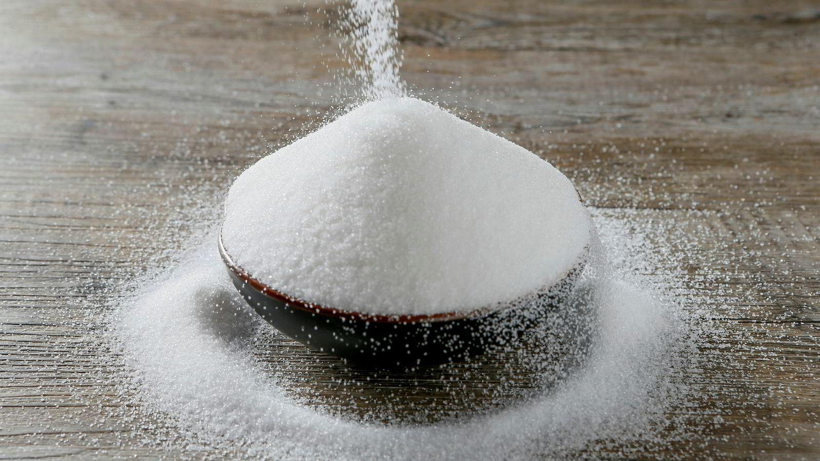 Verdens forbruk av sukker og kjøtt må halveres i løpet av 30 år, ifølge en rapport fra EAT-Lancet-kommisjonen.