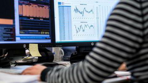 Vi vet at de aller fleste av oss skyr risiko. Det vil si at en investor vil kreve høy avkastning for å være investert i et marked hvor prisen svinger mye.