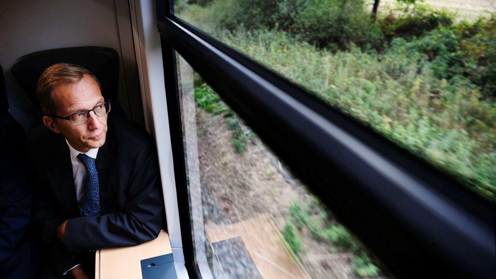 Henri Poupart-Lafarge, sjefen for det franske togselskapet Alstom, fikk tommelen ned for fusjon med tyske Siemens.