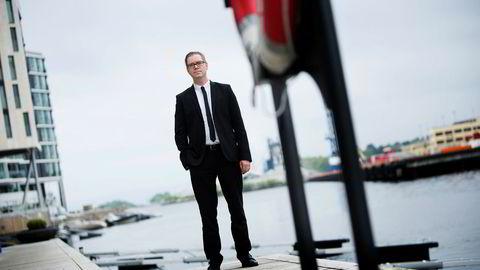 Boligprisveksten vil holde seg over nullstreken i tiden fremover, mener seniorøkonom Marius Gonsholt Hov i Handelsbanken Capital Markets.