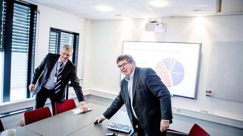 MER Å GI. 64 år gamle Tommy Korneliussen (høyre)kunne gått av med pensjon når han fyller 65 år i høst, men ønsker å fortsette som konsernsjef i Norgesgruppen. Her sammen med finansdirektør Sverre Kjær.                   Foto: Fredrik Bjerknes