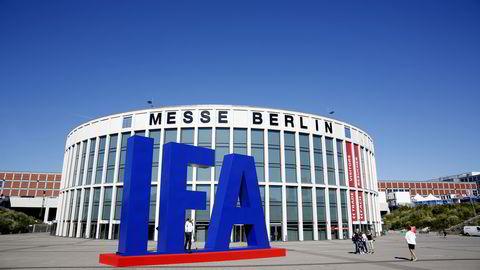 Berlin, 31.08.16: En av hovedinngangene til IFA-messen før det braker løs fredag morgen. Foto: Marte Christensen