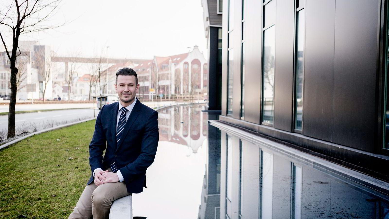 Hotelldirektør Odd Petter Meinseth ved Scandic Stavanger City sier det er tøft å få markedet «rett i fleisen».