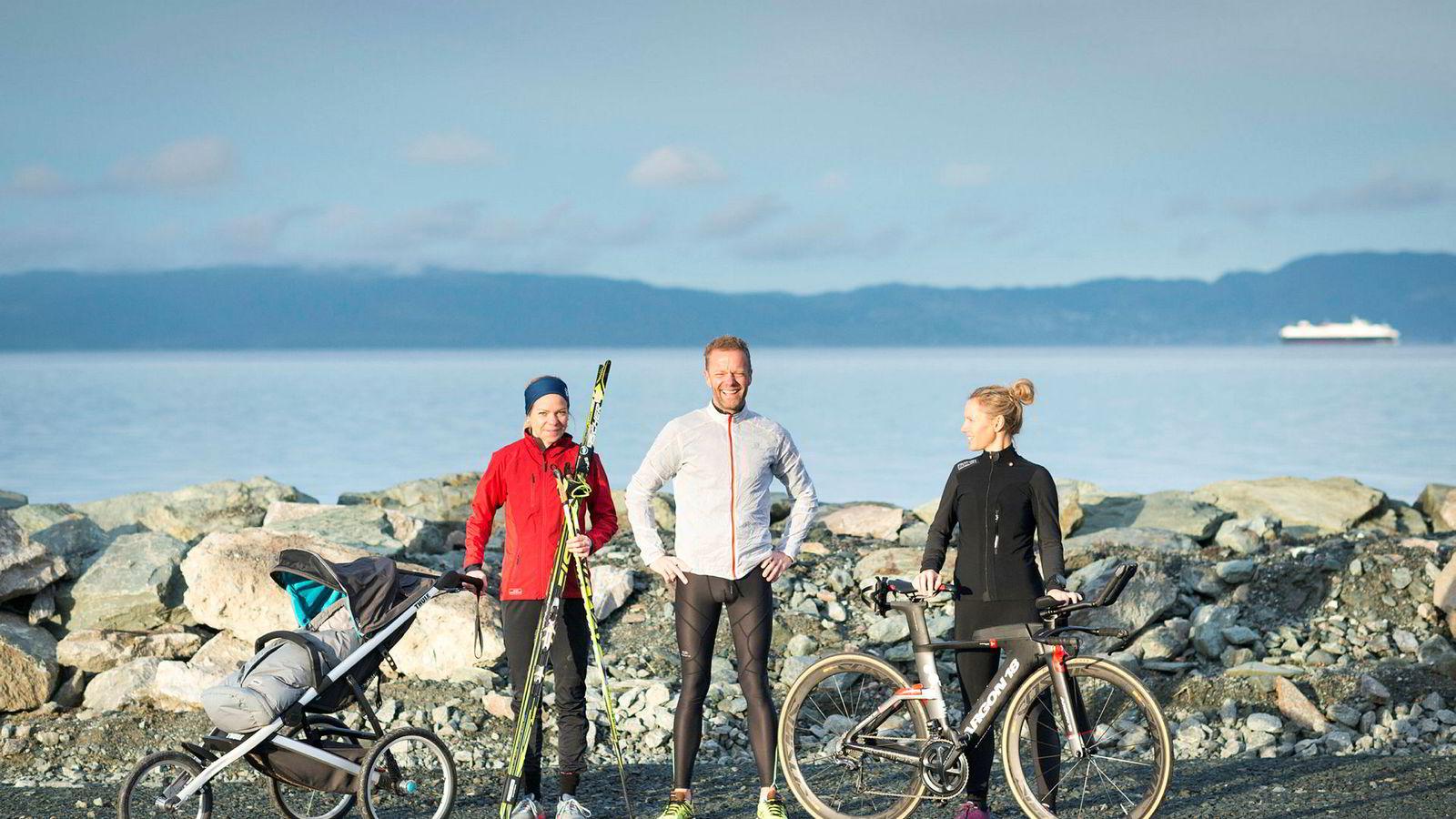 Løper, syklist og skigåer Mariann Renate Lande, maratonløper Simon Lund Eikrem og triatlonutøver Gro Hege Viberg har testet fem typer energi-gel. De hadde alle sine egne favoritter.