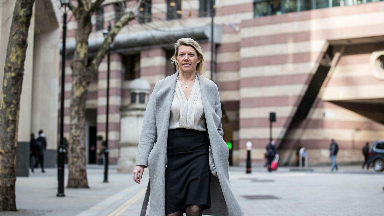 Finansdirektør i DNB Kjerstin Braathen før fremleggelsen av  resultater per fjerde kvartal ved bankens London-kontor torsdag.