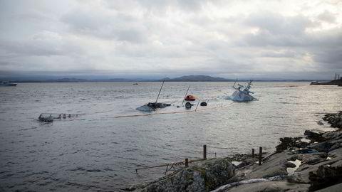 KNM «Helge Ingstad» kommer til å fraktet til Haakonsvern opplyste Sjøforsvaret på en pressekonferanse tirsdag. På den samme pressekonferansen opplyste flaggkommandør og sjef for maritime operasjoner i Sjøforsvaret, Yngve Skoglund, at fregatten lå stabilt helt frem til mandag kveld.