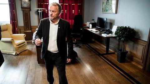 Byrådsleder Raymond Johansen (Ap) ber bystyret i Oslo kjøpe fem av leiegårdene Ivar Tollefsens Fredensborg har unnlatt å melde til kommunalt forkjøp.