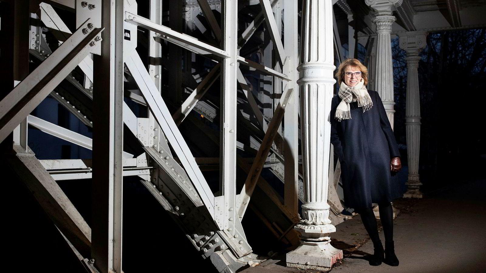 – Jeg har nok større glede av å slippe andre til på scenen enn å stå der selv, sier avtroppende toppleder i Tine, Hanne Refsholt.