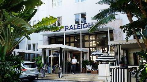 FORDUMS STORHET. The Raleigh på Miami Beach er fra 1940, og originalinteriøret er beholdt, hvilket gjør et besøk til en reise tilbake i tid.