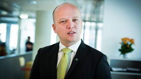 Sp-leder Trygve Slagsvold Vedum frykter at regjeringen vil kutte i offentlige pensjoner. Foto: Gunnar Lier