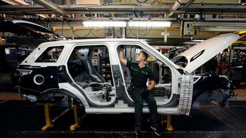 Cassix Norway i Farsund frykter en hard brexit og eksportkaos. Det norske selskapet leverer aluminiumdeler til Jaguar og Land Rover-fabrikken her i britiske Solihull i West Midlands.