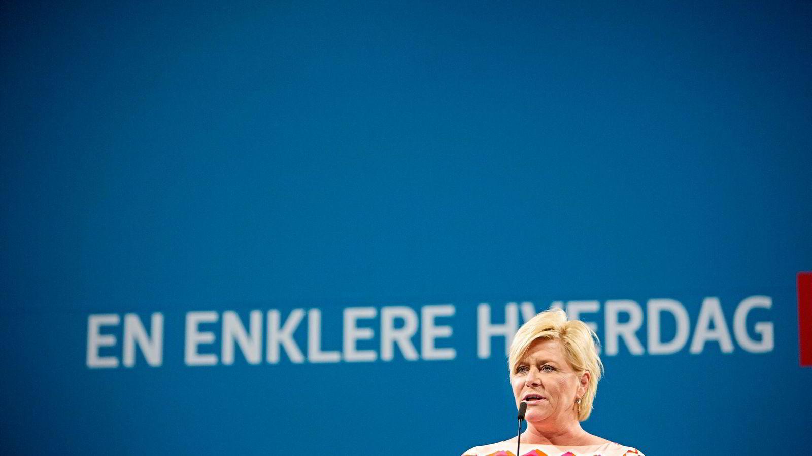 Finansminister Siv Jensen (Frp) vil vurdere en modernisering av Norges Banks mandat for pengepolitikken. Foto:
