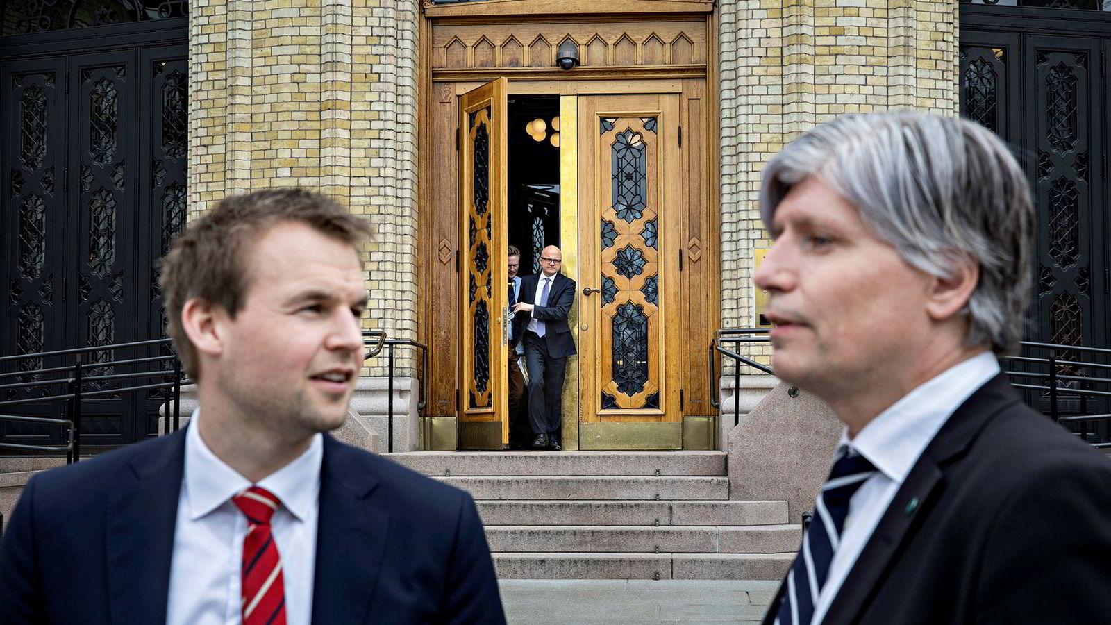 Fra venstre: Kjell Ingolf Ropstad (KrF), statsråd Vidar Helgesen (H) og Ola Elvestuen (V)