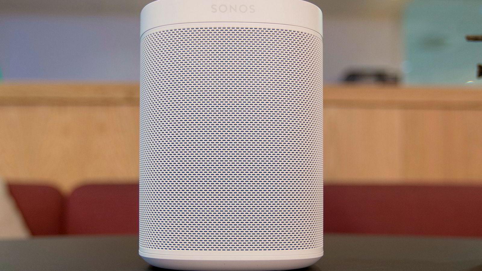 Sonos One er Sonos' første høyttaler med talestyring. Men det kommer ikke norske brukere tilgode.