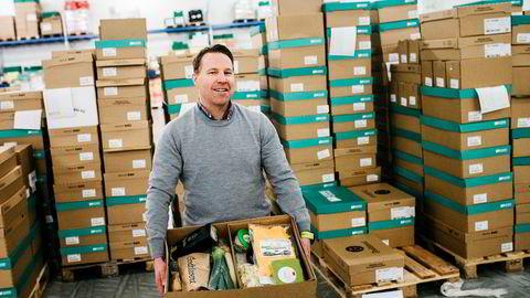 Kjetil Graver, en av gründerne bak Godtlevert og toppsjef for matkasseselskapet Brandhub, påpeker at de berørte ansatte i Bergen vil få tilbud om jobb i Oslo. - Det oppleves selvsagt som dramatisk og veldig leit for de ansatte som er veldig glad i arbeidsplassen sin. De er en utrolig dyktig gjeng som har vært med på å bygge opp en sterk merkevare og et godt produkt, og jeg er veldig glad i de folkene, sier han til DN.