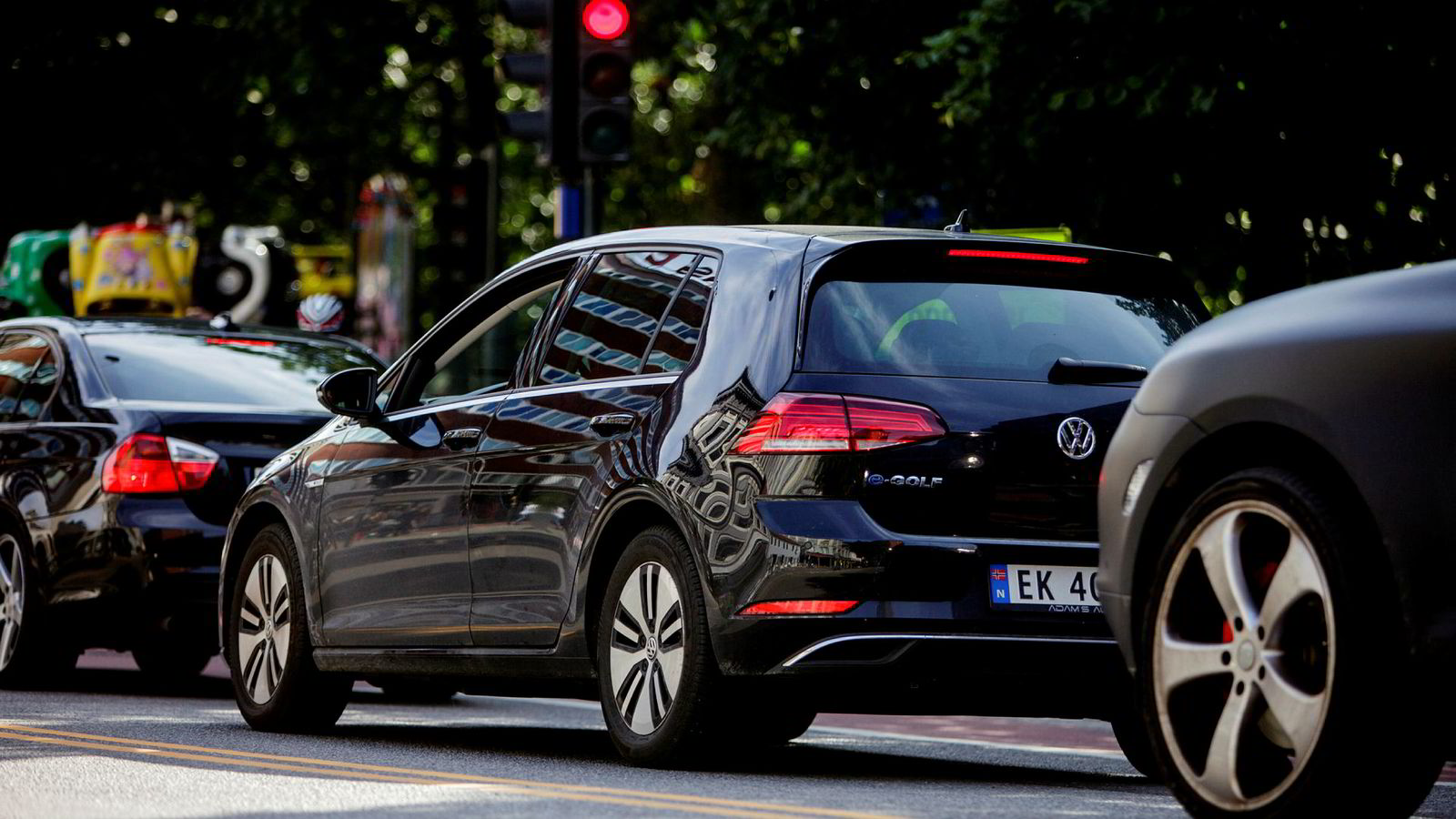 En gjennomsnittlig bil brukes i bare fire prosent av sin levetid – og kan utnyttes bedre gjennom deling, skriver artikkelforfatteren.
