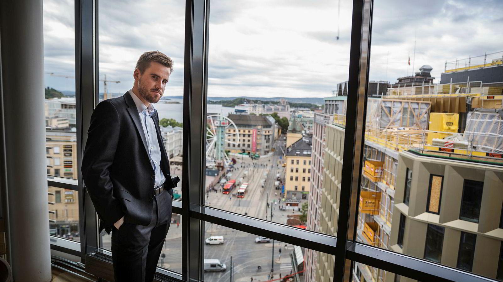 Axel Dammann har overtatt 30 prosent av den norske nettbaserte aksjemeglingstjenesten Netfonds etter faren, gründeren Rolf Dammann, og jobber nå i Netfonds-konsernet. Hans to søstre arvet like mye.