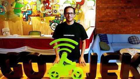 Grunnlegger Nadiem Makarim har bygget opp et digitalt økosystem i Indonesia rundt det som startet som en transportdelingstjeneste. Nå vurderer Amazon å investere i «enhjørningen» Go-Jek, som er verd over 12 milliarder dollar.
