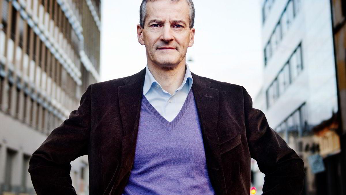 Helse- og omsorgsminister Jonas Gahr Støre vil at skolene skal servere mat hver dag.