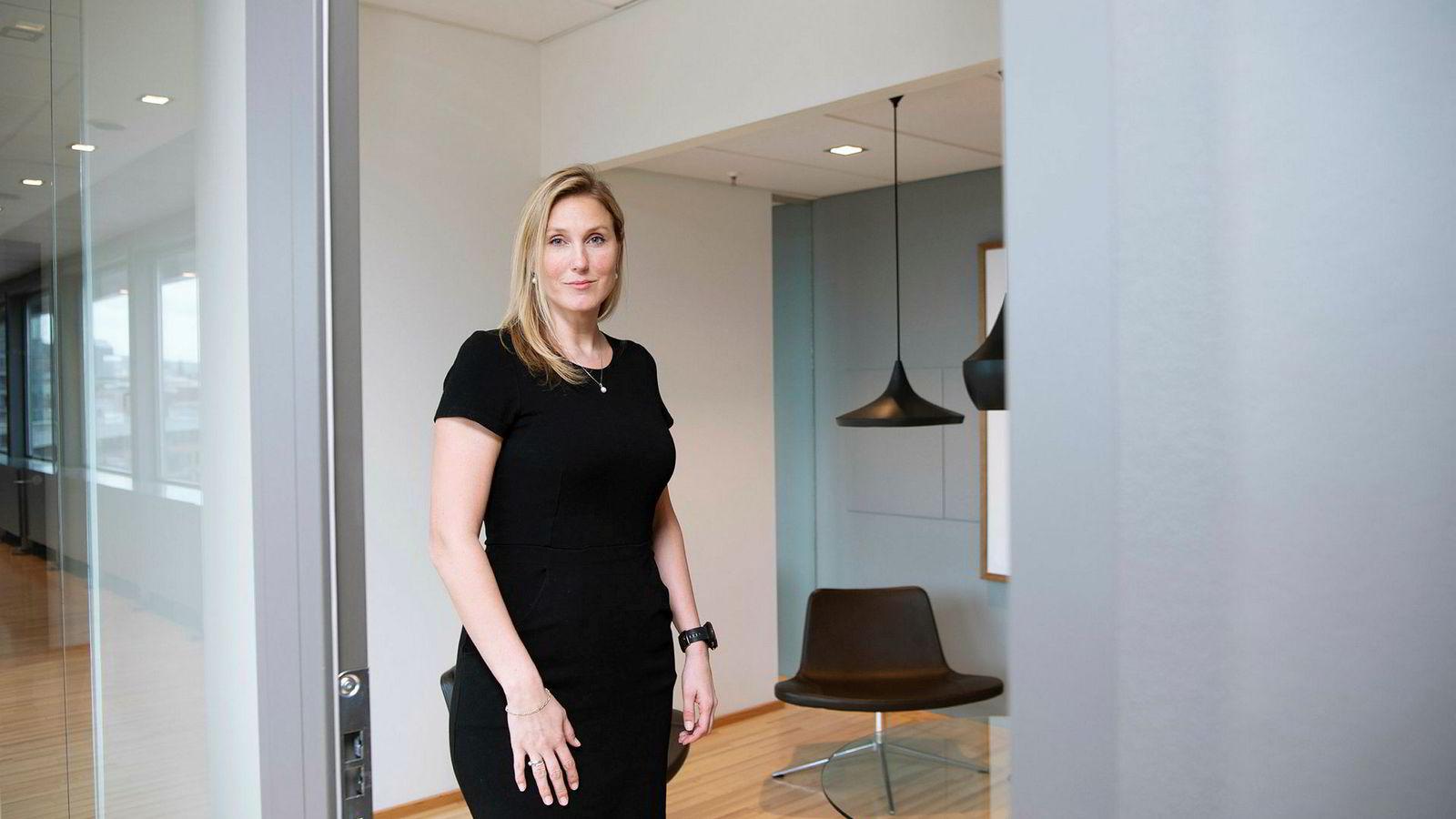 Prisveksten falt i mai. Erica Blomgren Dalstø tror ikke dette vil hindre Norges bank fra å heve renten.