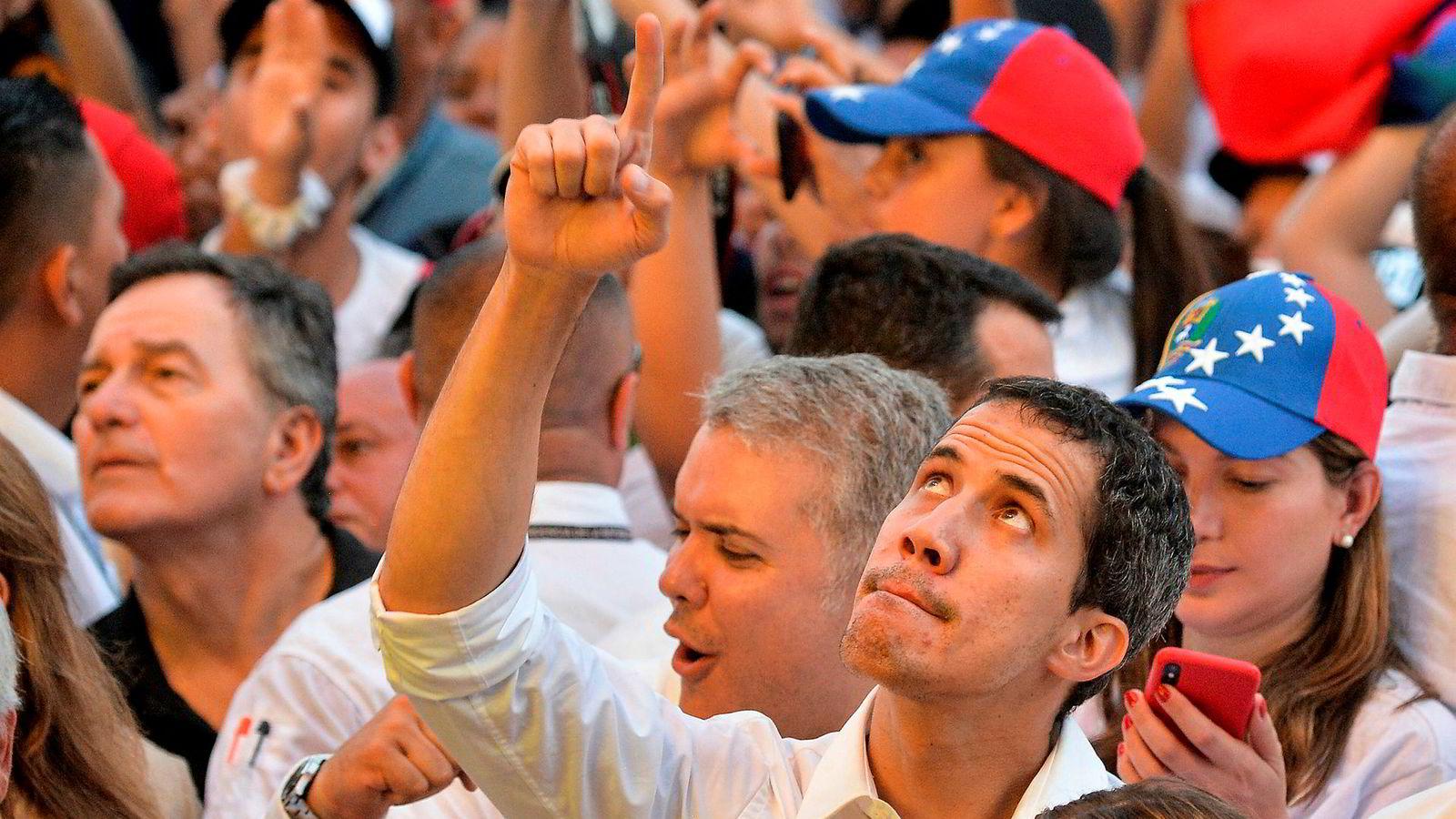 Opposisjonsleder Juan Guaido deltok fredag på en veldedig konsert i Cucuta i Colombia.