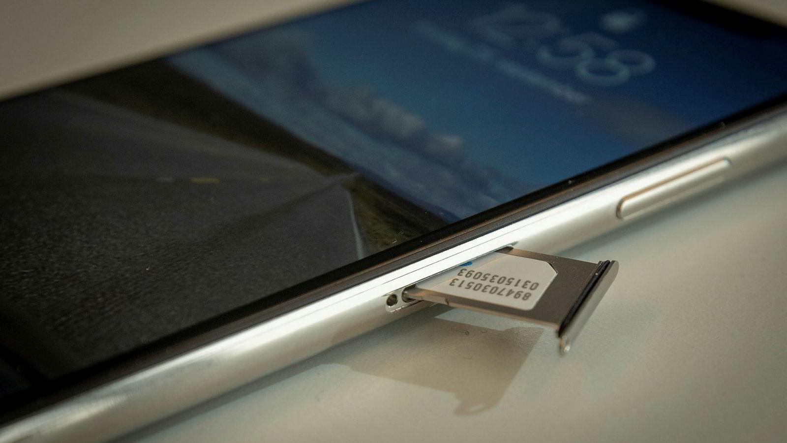 Alle norske mobiltelefoner må ha et sim-kort for å fungere. Men snart kan de fysiske sim-kortene være overflødige.