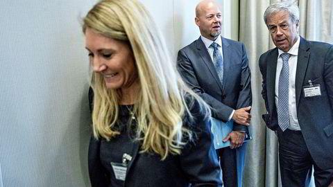 Sentralbanksjef Øystein Olsen (til høyre) må gi etter for press om å gjøre staben mer effektiv. Fra venstre, Julie Brodtkorb, leder av Norges Banks representantskap og Yngve Slyngstad, administrerende direktør i NBIM, som forvalter Oljefondet.