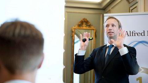 Det er prisen man betaler som skal være avgjørende for når man skal tre inn og ut av aksjemarkedet. Ingenting annet, påpeker aksjestrateg Bengt Jonassen i ABG Sundal Collier.