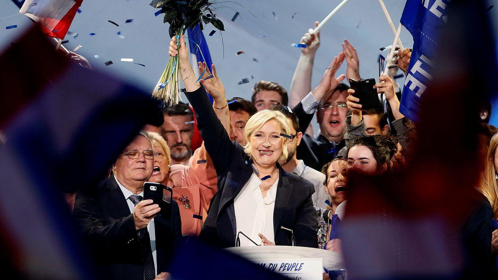 Marine Le Pen og partiet hennes Front National har lovet å melde Frankrike ut av hele eurosamarbeidet dersom hun vinner det franske valget.