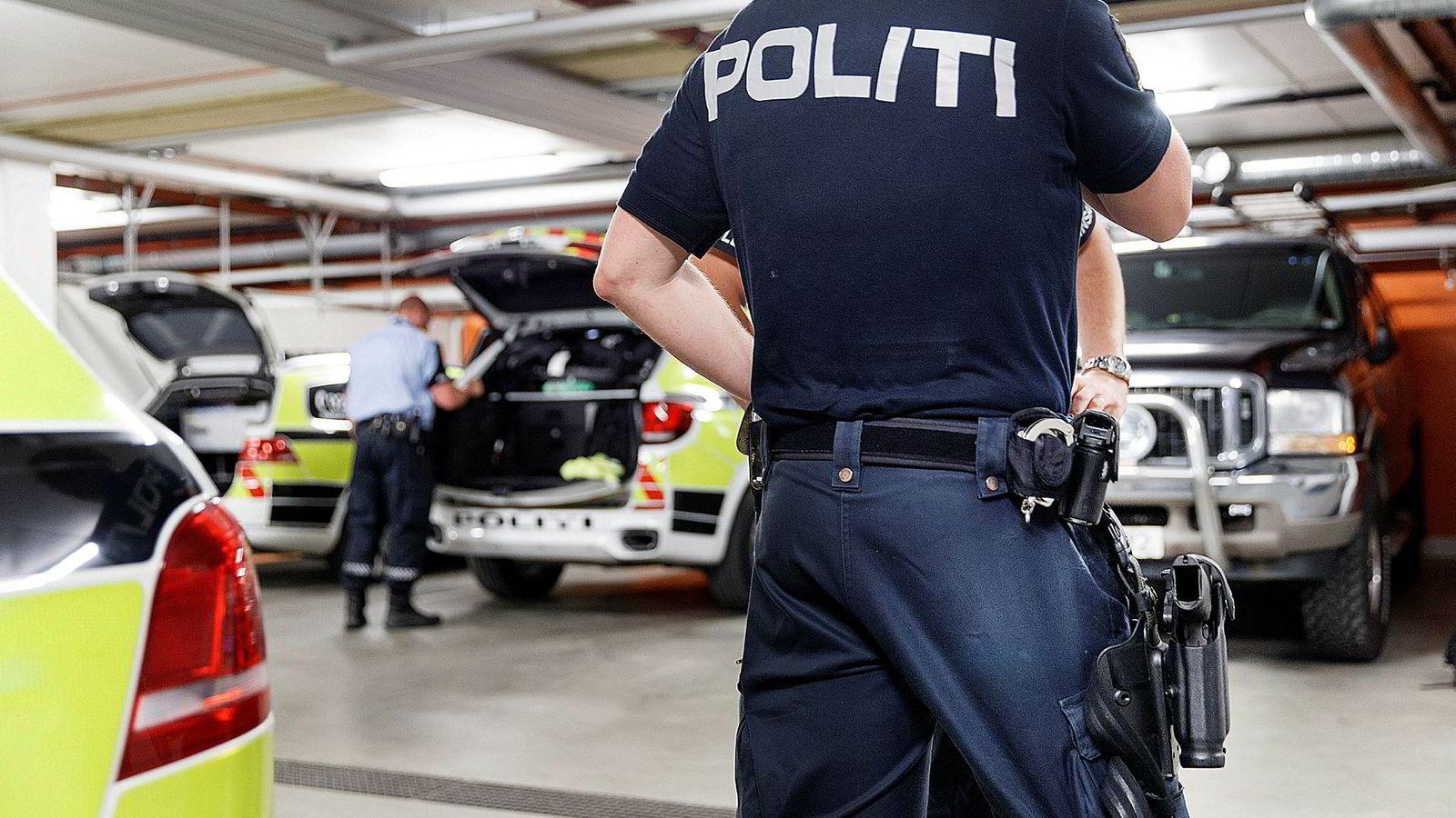 En konsekvens er at det ventes mye i norsk politi. Det ventes på ressurser og viktige avklaringer. Det fører til beslutningsvegring, frustrasjon og oppgitthet. Det gjør at ledere ikke får nødvendig myndighet til å lede, noe vi vet er en suksessfaktor for gjennomføring av reformer.