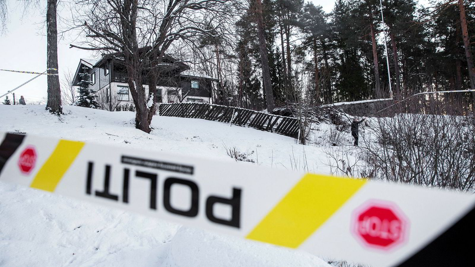 Anne-Elisabeth Falkevik Hagen, kona til en av Norges rikeste, har vært borte i ti uker. Onsdag var politiet på plass i boligen der hun sist ble sett.