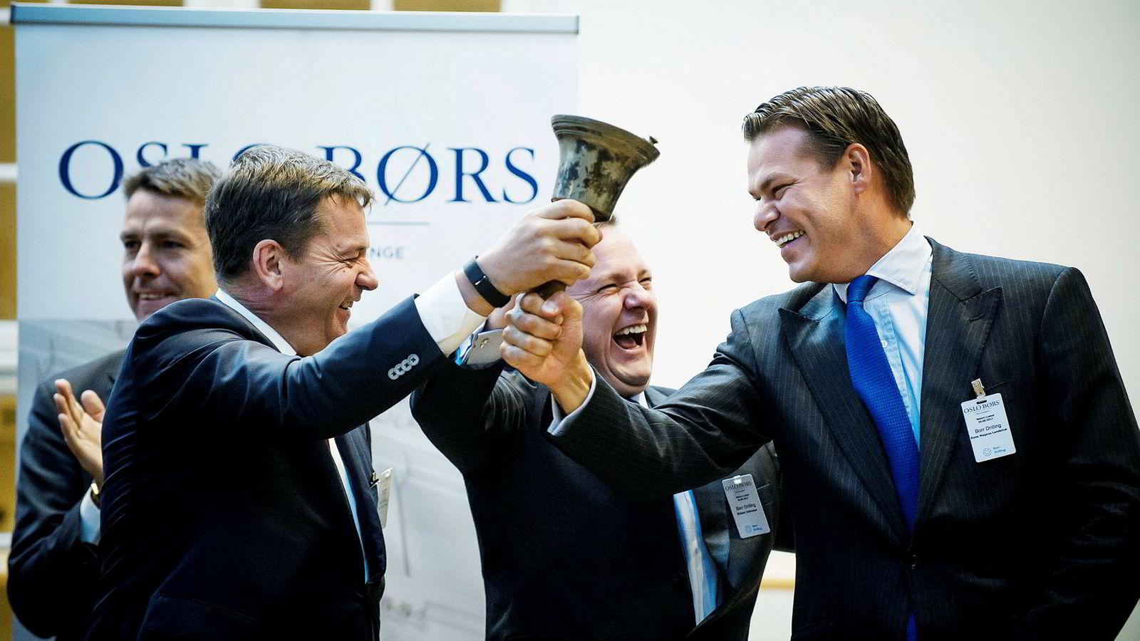 Fra bjelleseremonien da Borr Drilling gikk på børs for 12 måneder siden. Fra venstre: Bengt Neteland, Svend Anton Maier (dagens Borr-sjef), Simon Johnson (daværende toppsjef) og Rune Magnus Lundetræ.