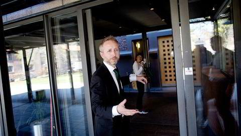 SVs kulturpolitiske talsmann Bård Vegar Solhjell mener Høyres Heidi Nordby Lunde bommer når hun foreslår å gjøre offentlig finansiert musikk, bøker eller filmer tilgjengelig for alle etter fem år. Foto: