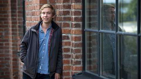 Haakon Berge Wiken (20) fra Bærum studerer internasjonale relasjoner og økonomi ved University of St Andrews i Skottland. Han har blogget for Dagens Næringsliv i snart ett år. Foto: Skjalg Bøhmer Vold