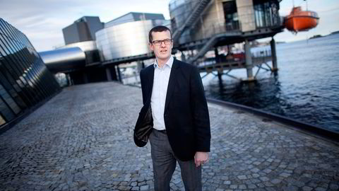 Oljeprofessor Klaus Mohn mener fusjonen reiser spørsmål knyttet til både skatt og uavhengighet. Foto: Tomas Alf Larsen