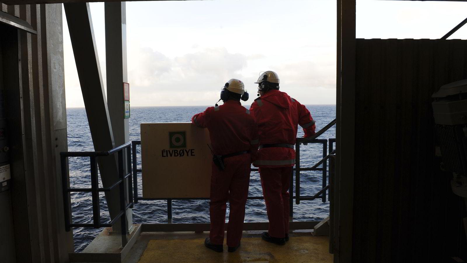 Det kraftige fallet i oljeprisen fører til store kutt i oljesektoren.                Foto: Marit Hommedal / SCANPIX