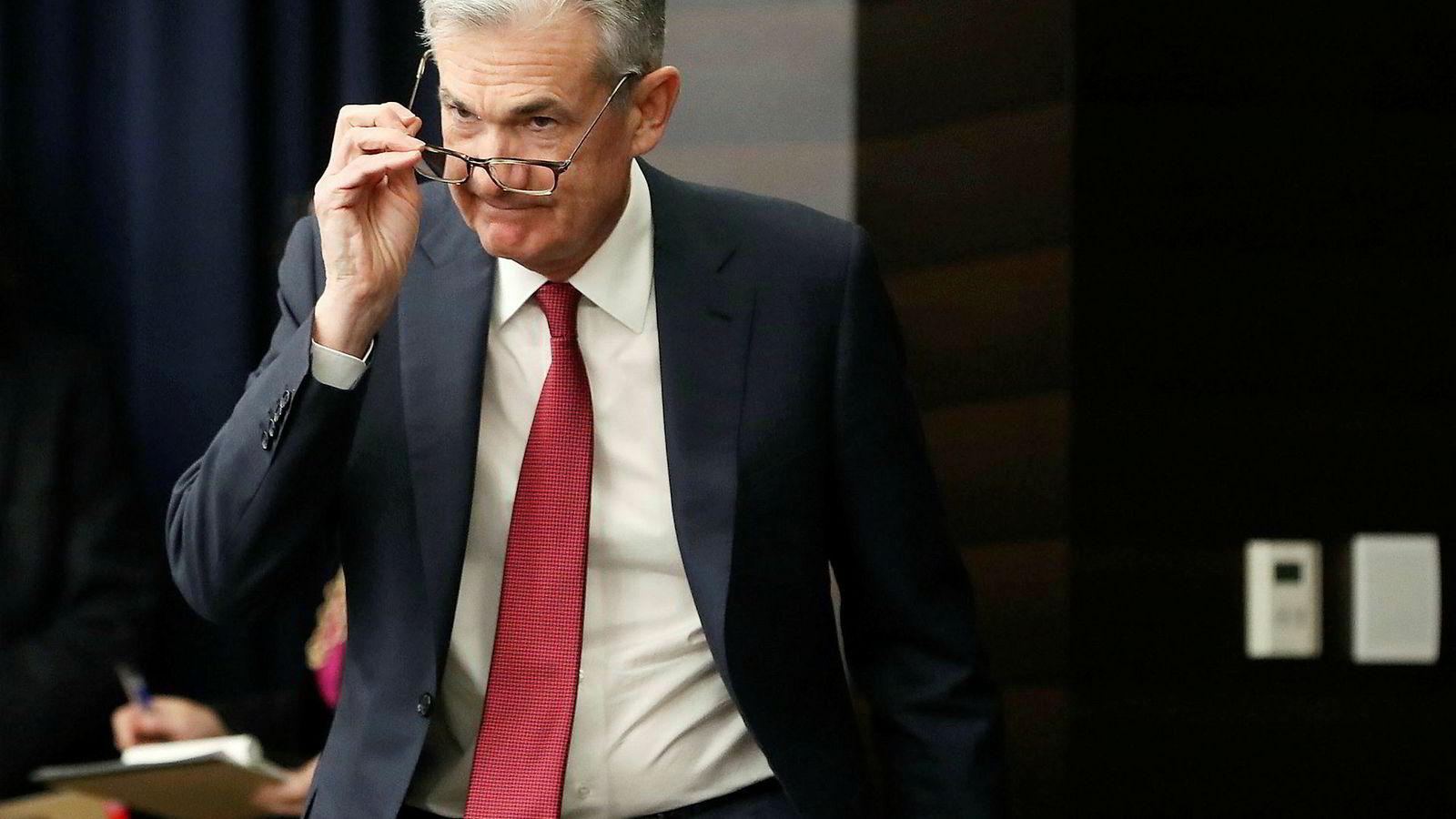 Investorene mener sannsynligheten har økt for at den amerikanske sentralbanksjefen Jerome Powell vil sette ned renten.