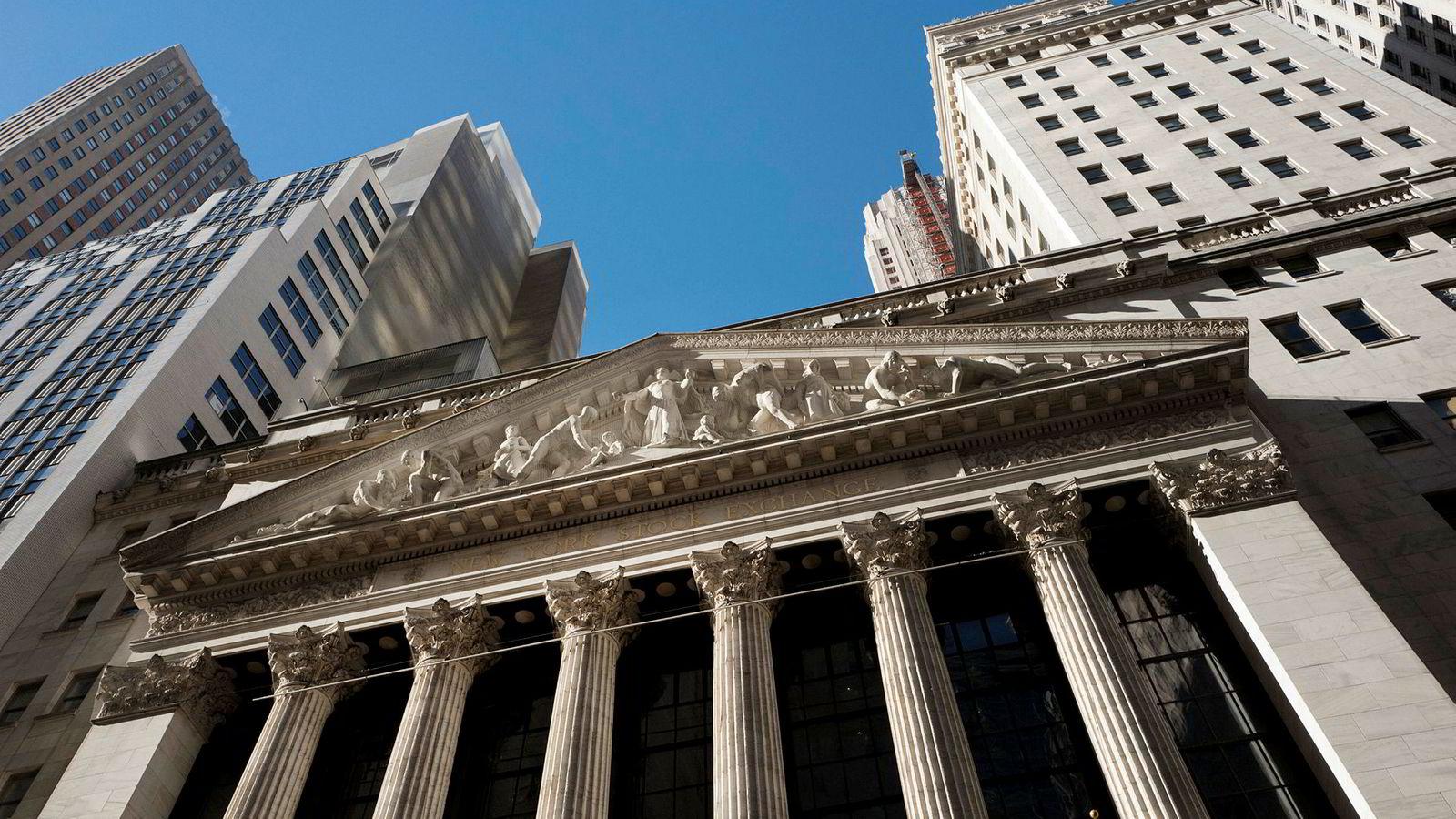 I løpet av drøyt to tiår er det i alt utstedt aksjer for 5.700 milliarder og innløst verdier for hele 11.700 milliarder dollar i amerikanske selskaper. Her børsen i New York