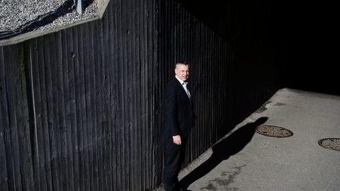 Konsernsjef Sven Ombudstvedt i Norske Skog jakter nå etter ny revisor. Men den nye revisoren må ta kontakt med avtroppende revisor som selskapet er i konflikt med. Foto: Elin Høyland