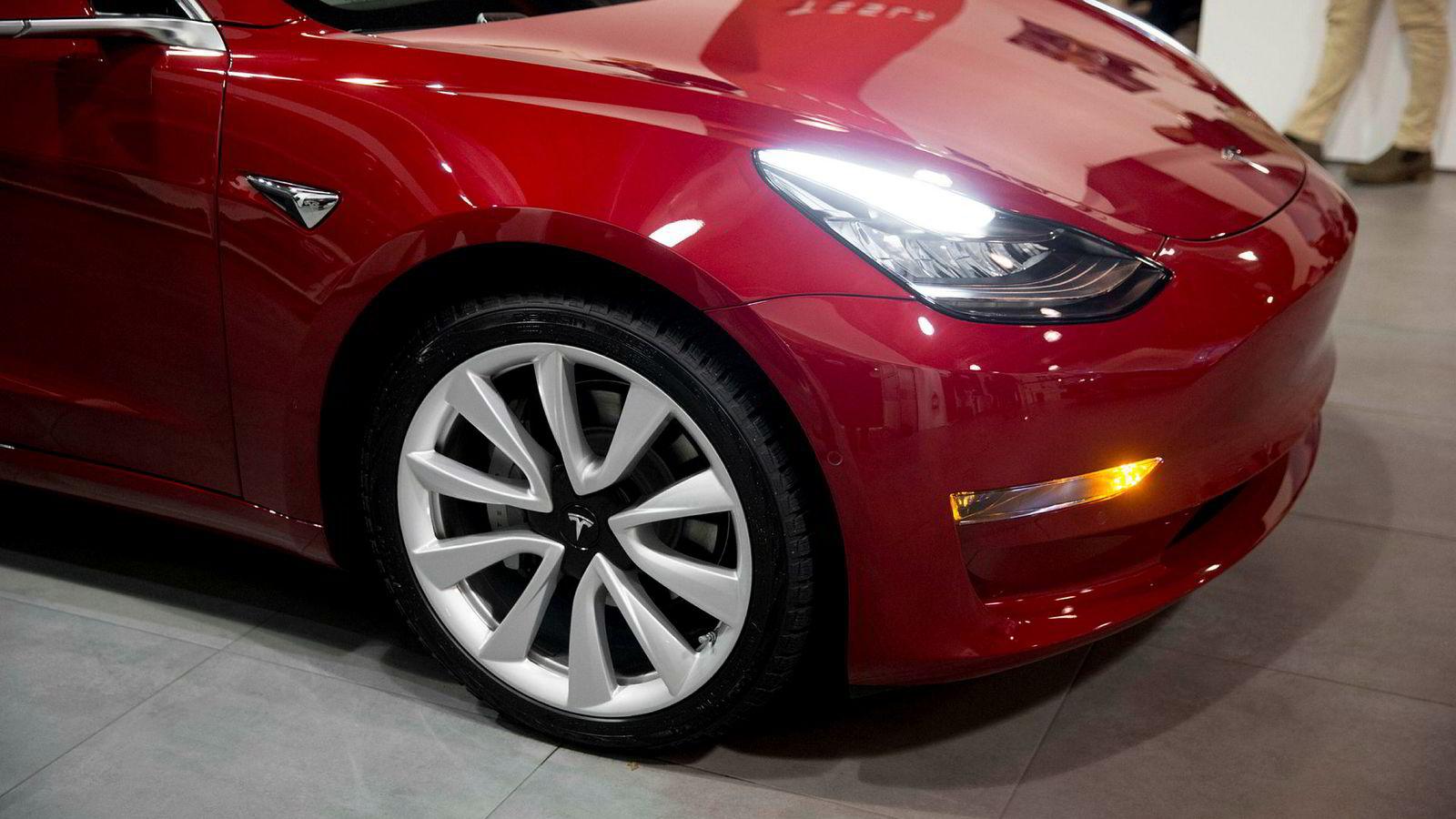 Tesla vil ha patent på ny teknologi som skal gi bedre og billigere bilbatterier.
