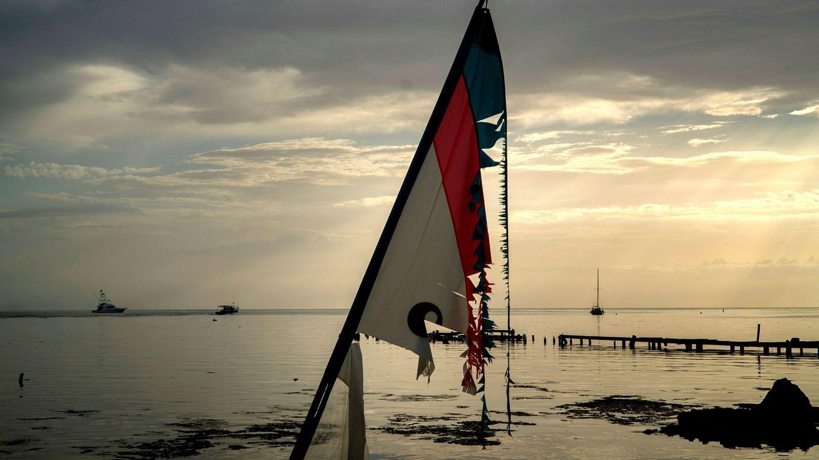 Den tropiske stormen Dorian er ventet å ankomme Puerto Ricos kyst onsdag. Da kan den ha blitt en orkan.