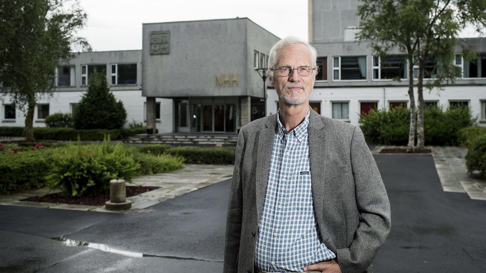 Å delta i skattedebatten er en del av universitetenes samfunnoppdrag, skriver NHH-rektor Frøystein Gjesdal