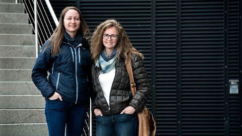 Gründer Kristil Erla Håland (til høyre) har en mor med Alzheimer og savnet å få vite mer om dagen hennes når hun kom på besøk etter jobb. Her sammen med teknisk direktør og utvikler Elin Sunde Wilberg. Foto: Per Ståle Bugjerde