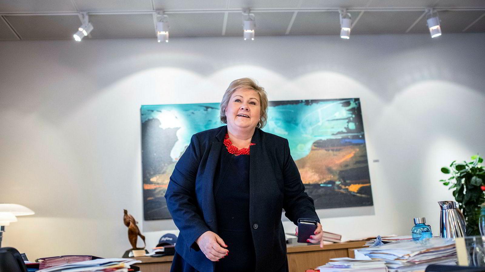 Statsminister Erna Solberg sier en flertallsregjering ønsker samarbeid i Stortinget.