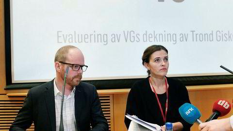 VGs sjefredaktør Gard Steiro og nyhetsredaktør Tora Bakke Håndlykken under VGs fremlegging av VGs egen granskningsrapport.