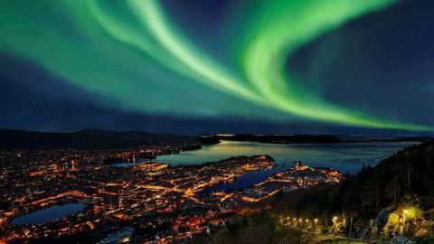 I Bergen endte transaksjonsmarkedet for 2017 med et omsetningsvolum på cirka 5,5 milliarder kroner, ned fra ni milliarder kroner året før.