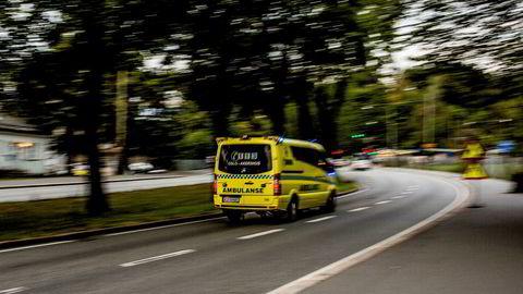Ingen av fylkene oppnår de veiledende responstidene som er satt for ambulansen. Ambulansetjenesten i Midt-Norge anklager likevel Helsedirektoratet for falske nyheter etter tall som viser at ambulansen ikke når de nasjonale målene for responstid.