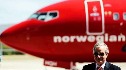 Norwegian-sjef Bjørn Kjos må spare penger og kutter ruter og baser. Flyvninger til og fra Norge rammes i liten grad i denne omgang.