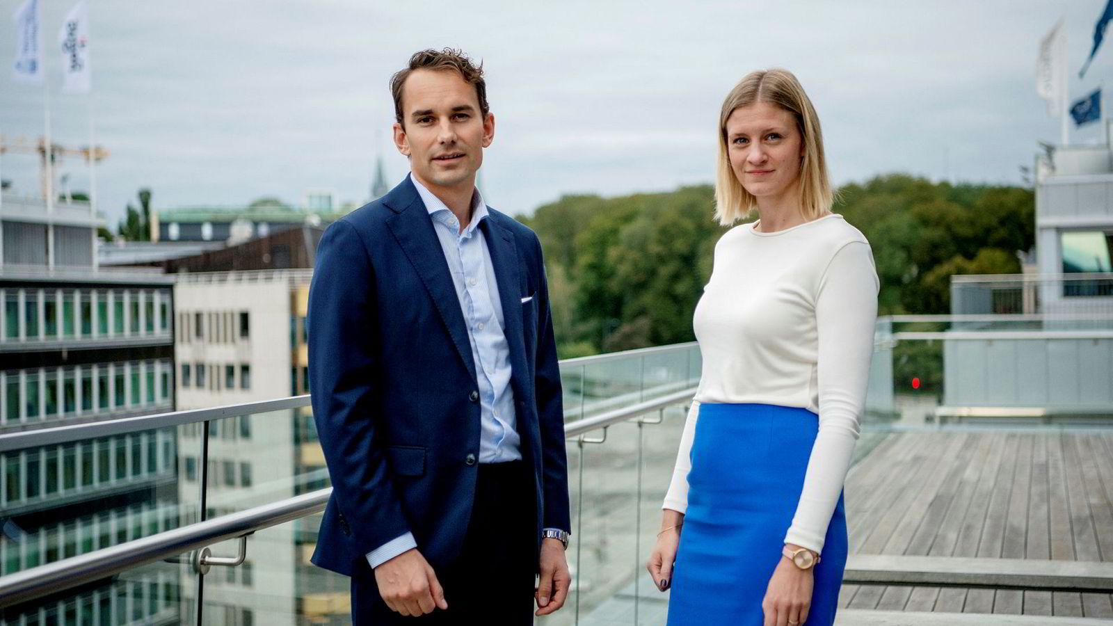Sunniva L. Bjørnstad og Erlend Basmo Ellingsen, 31 og 32 år gamle, er to av tre som har ledet det største kjøpet noensinne på norsk sokkel.