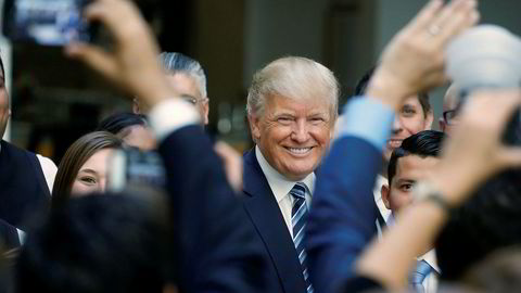 Presidentkandidat Donald Trump haler innpå sin motkandidat Hillary Clinton på meningsmålingene, få dager før valgdagen i USA.